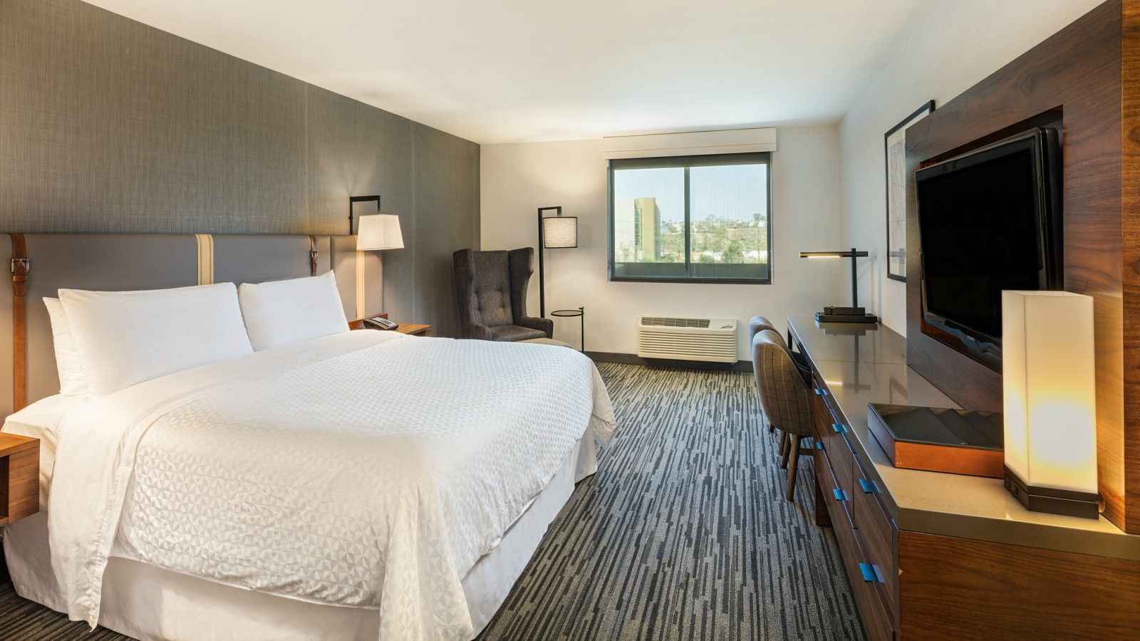 Los Angeles Accommodations - Accessible Guest Room